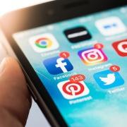 Estamos a atualizar a nossa presença nas Redes Sociais